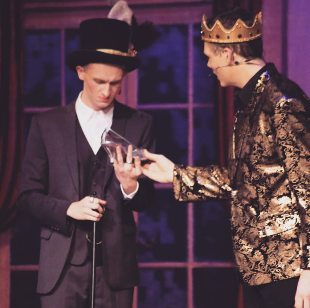 Wade (Veeti) Laasila as Lionel and Zach O'Connel as the Prince