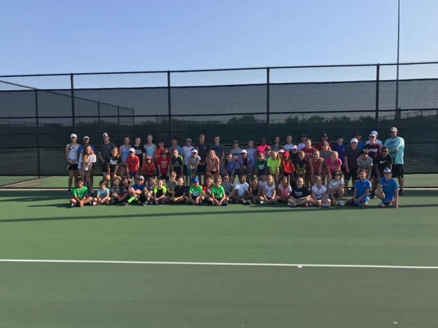 Last+years+participants+of+Coach+Bowling%27s+tennis+camp.