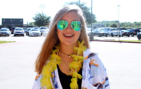 Homecoming dress-up week celebrates 'Tacky Tourist' day