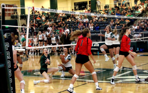 Varsity volleyball takes down Lovejoy Leopards 3-2