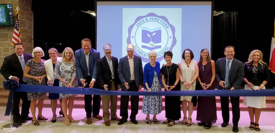 Jack+and+June+Furr+cut+ribbon+to+open+Furr+Elementary+School%2C+along+with+PISD+administration.