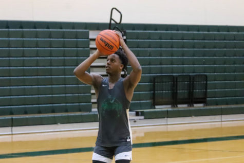 Basketball shoots for 1st preseason scrimmage