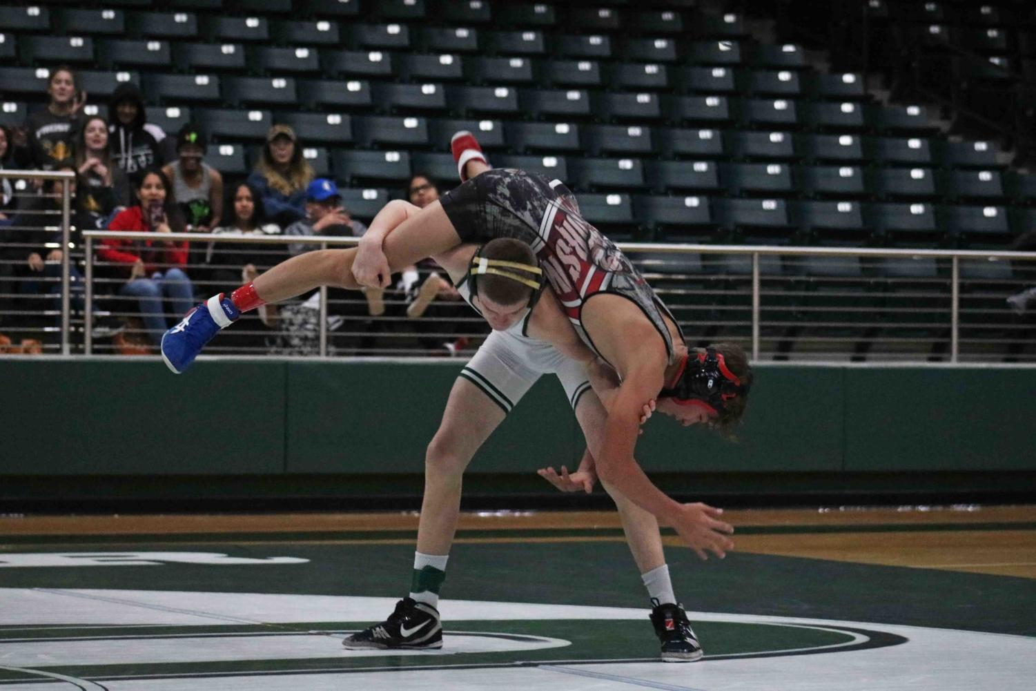 Boys wrestling competes in 1st tournament of season