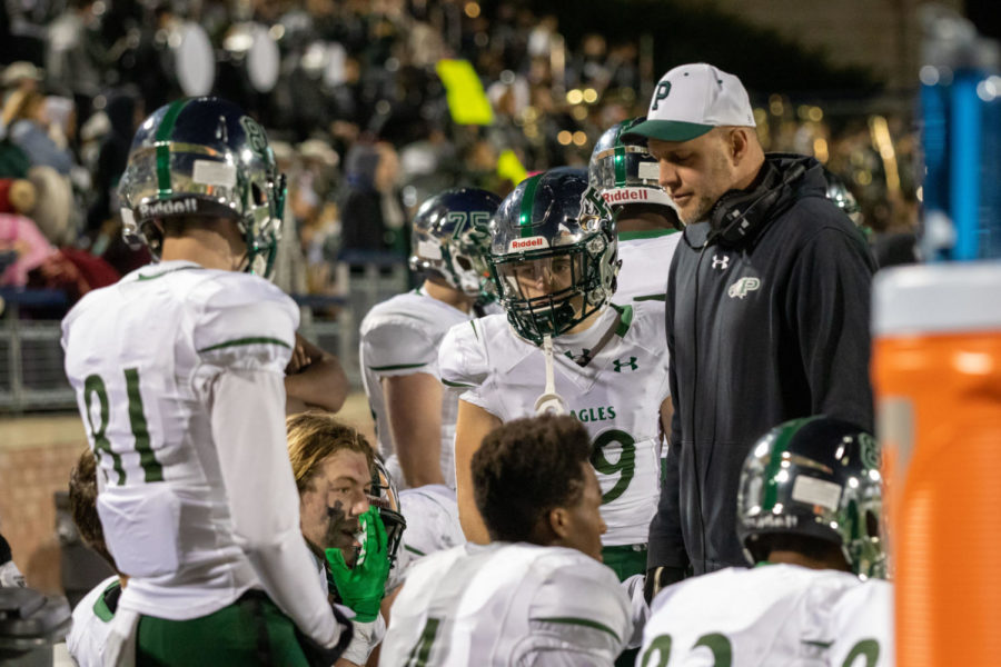 Prosper+offense+gets+ready+for+there+next+play.Prosper+went+against+the+Skeets+getting+an+win+%2Cnow+early+waiting++to+go+against+Rockwall++for+Bi+District.+