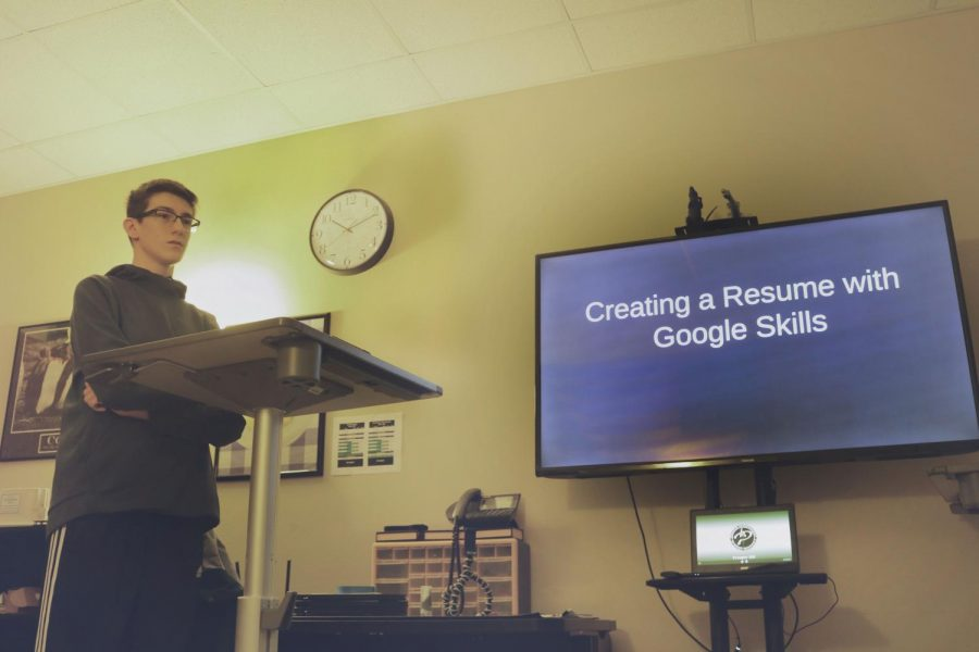 """Junior Josh Smith presents Google's Applied Digital Skills on Feb. 5.  Smith's presentation teaches teachers how to use Google Documents to make resumes for projects. """"Resumes can help shape learning,"""