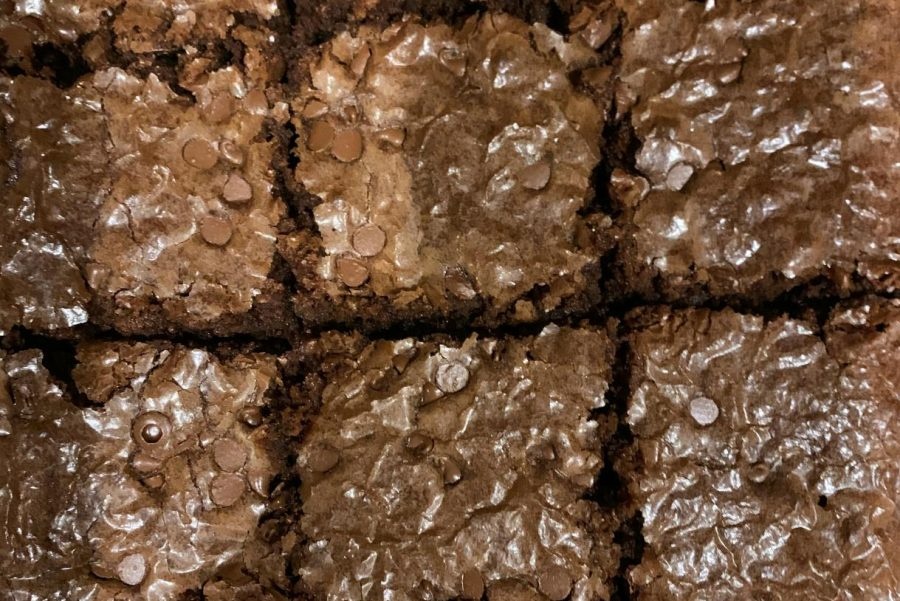 Freshly+baked+brownies+sit+in+a+pan+to+cool.+To+avoid+boredom%2C+the+Reese+family+has+taken+up+baking+as+a+family+activity+during+their+self-quarantine.+%E2%80%9CThe+brownies+were+so+fun+to+make+as+a+family%2C%E2%80%9D+sophomore+photojournalist+Morgan+Reese+said.+%E2%80%9CThey+also+taste+amazing%21%E2%80%9D