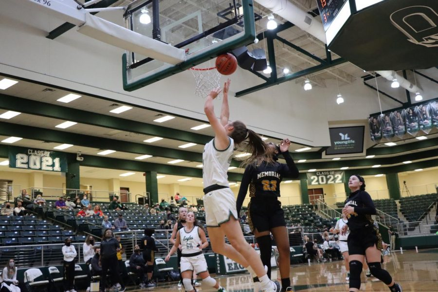 After rushing to the lane, junior Ayden Allen jumps with the ball. Prosper has a current record of 1-1. They won their first game against the Wylie Pirates 45-44.