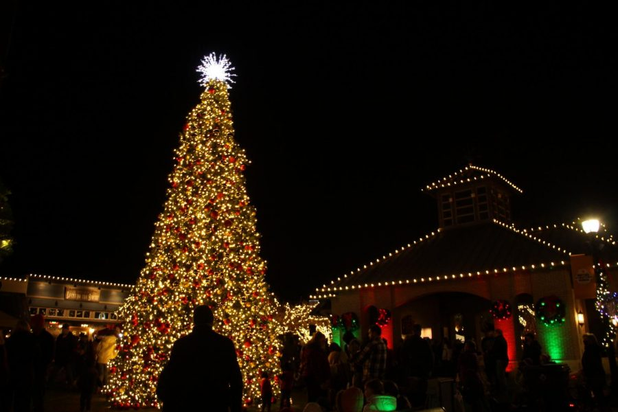 Lighting up Celina Square, the town of Celina Christmas Tree shines for the first time in 2020. The city held its Christmas tree lighting Wednesday, Dec. 2 at 6 to 8 p.m.  Due to concerns surrounding Covid-19, many worried that the annual event would be canceled. The City of Celina decided to continue the tradition despite several neighboring towns canceling or altering their holiday events.