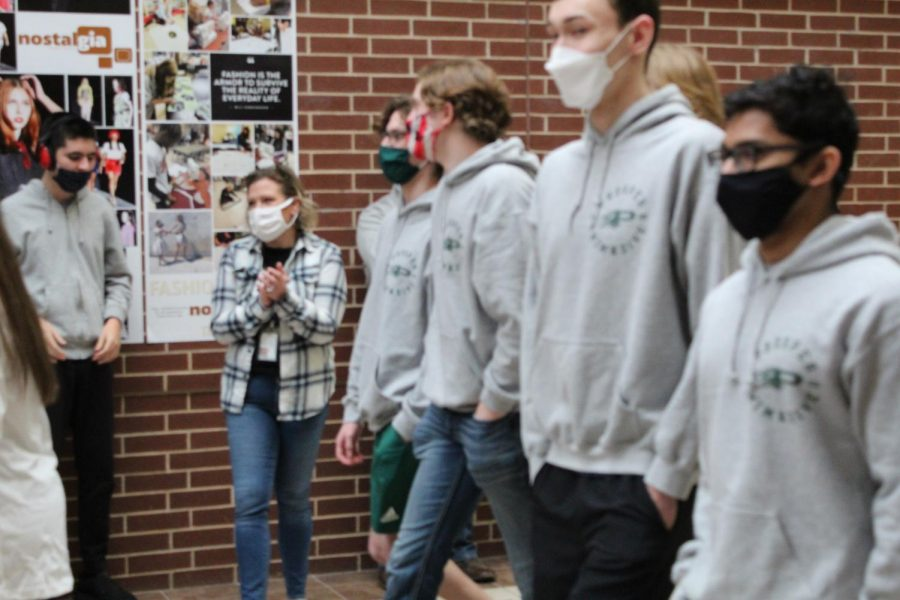 Walking the halls of Prosper High School, the four state-bound swimmers and two alternates are greeted by many students in a send-of. Shortly after, the swimmers make their way to their San Antonio-bound bus ride.